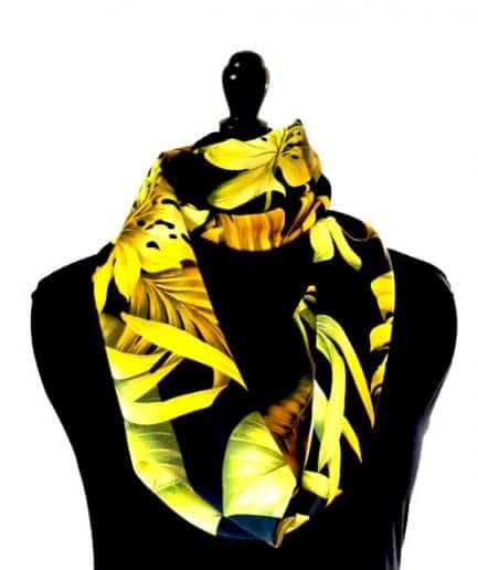 echarpe en soie fleurs tropicales jaune et noire